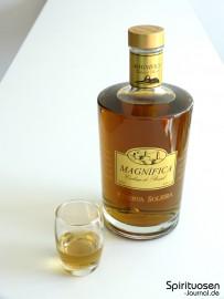 Magnifica Reserva Soleira Glas und Flasche