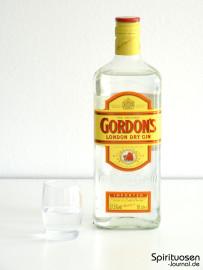 Gordon's London Dry Gin Glas und Flasche