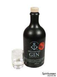 Spitzmund Gin Glas und Flasche