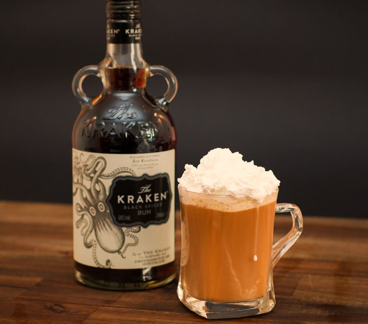 cocktails krakaccino by kraken rum f r weihnachten. Black Bedroom Furniture Sets. Home Design Ideas