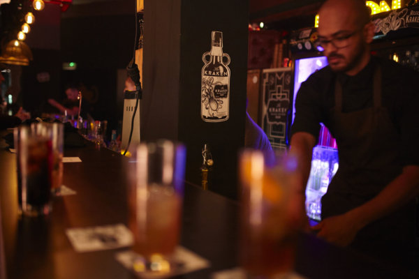 Kraken Rum eröffnet Pop-Up-Bar in Hamburg