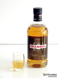 Drambuie Whiskylikör Glas und Flasche