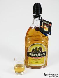 Bärenjäger Honiglikör Glas und Flasche