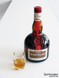 Grand Marnier Cordon Rouge Glas und Flasche