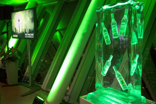 Moskovskaya eröffnet The True One-Lounge im Düsseldorfer Rheinturm