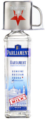 Parliament Vodka erneut mit Mule-Becher im On-Pack