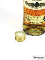 Bacardi Carta Oro Verschluss