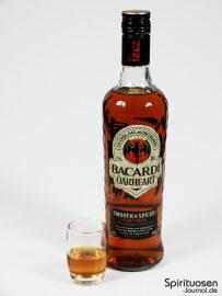 Bacardi OakHeart Glas und Flasche
