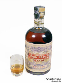 Don Papa Rum Glas und Flasche