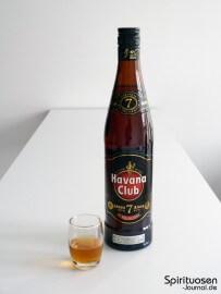 Havana Club Anejo 7 Jahre Glas und Flasche