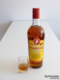 Pampero Ron Anejo Especial Glas und Flasche