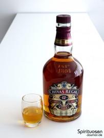 Chivas Regal 12 Jahre Glas und Flasche