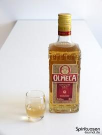 Olmeca Reposado Glas und Flasche