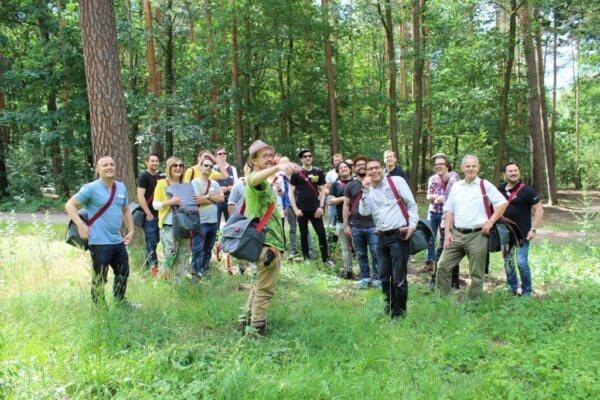 The Botanist lässt deutsche Bartender Kräuter sammeln