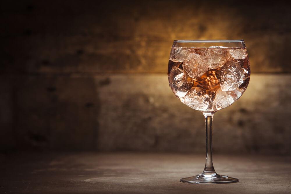 cocktails rezepte mit tonka gin spirituosen. Black Bedroom Furniture Sets. Home Design Ideas