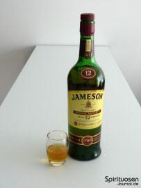 Jameson 12 Jahre Special Reserve Glas und Flasche