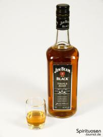 Jim Beam Black Glas und Flasche