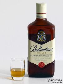 Ballantine's Finest Glas und Flasche