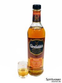 Glenfiddich Rich Oak 14 Jahre Glas und Flasche