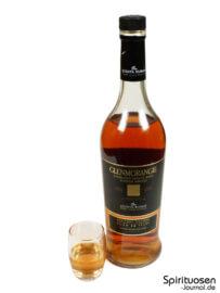 Glenmorangie Quinta Ruban Glas und Flasche