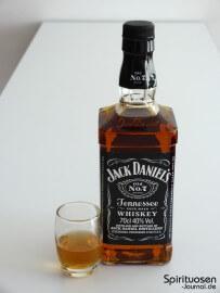 Jack Daniel's Old No.7 Glas und Flasche