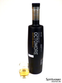 Octomore Scottish Barley Edition 06.1 Glas und Flasche