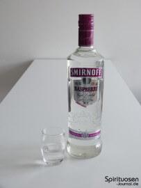 Smirnoff Twist Raspberry Glas und Flasche